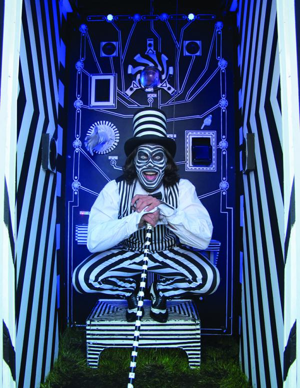 Black and white stripe OTTER with Pete Montford the Mechanical Memory Machine