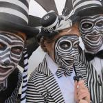 RETTO ORTET & OTTER black and white striped hosts